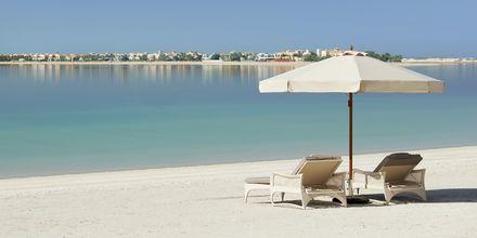 Stranden vid hotell Waldorf Astoria Dubai Palm Jumeirah i Dubai.