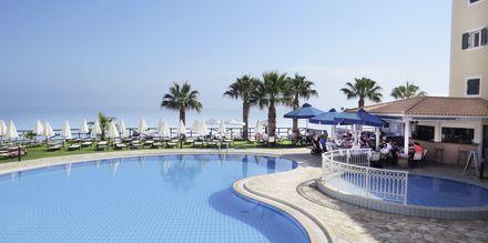 Poolområdet på hotell Windmill Bay i Argassi, Zakynthos.