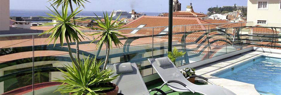 Poolen på hotell Windsor i Funchal på Madeira.