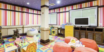 Barnklubb på Wora Bura Hua Hin Resort & Spa, Thailand.