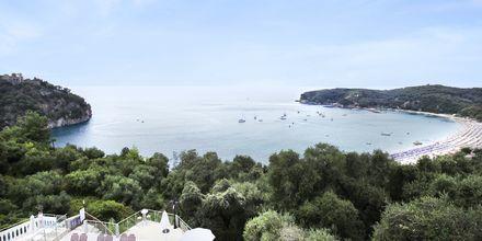 Utsikt från hotell Yiannis Kanalis i Parga, Grekland.
