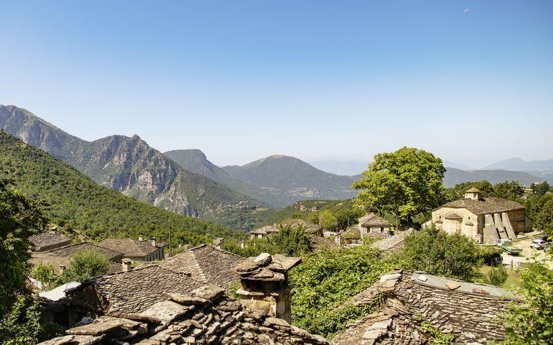 Utsikten från bergsbyarna i Zagoria.