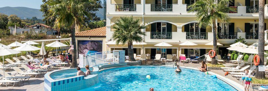 Poolområde på hotell Zante Atlantis, Laganas på Zakynthos.