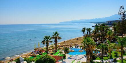 Utsikt mot havet från hotell Zephyros Beach Boutique, Kreta.